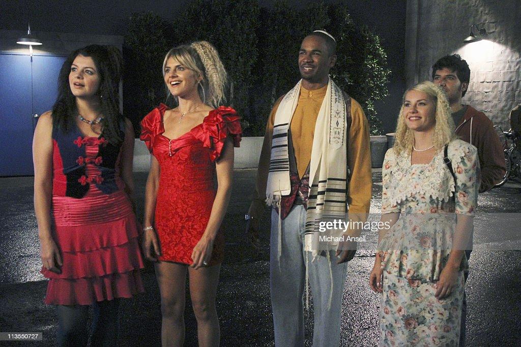 "ABC's ""Happy Endings"" - Season One : News Photo"