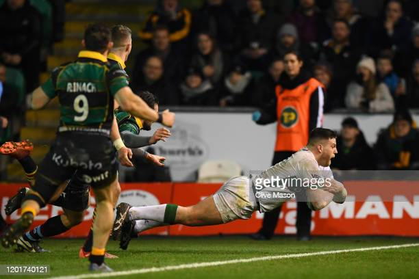 Dave Porecki of London Irish scores a try during the Gallagher Premiership Rugby match between Northampton Saints and London Irish at on January 24...