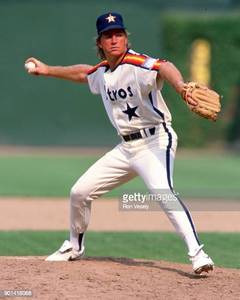Dave Smith of the Houston Astros pitches during an MLB game against the Chicago Cubs at Wrigley Field in Chicago Illinois during the 1990 season