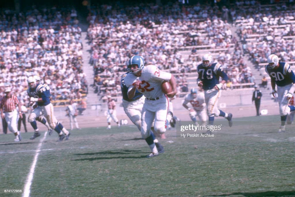 Houston Oilers v San Diego Chargers : News Photo