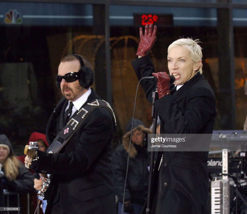 "Eurythmics Perform on the 2005 NBC's ""The Today Show"" Holiday Concert Series"
