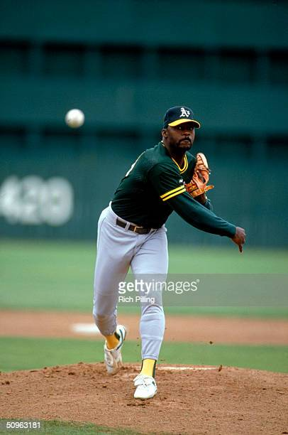 Dave Stewart of the Oakland A's pitches during a game circa March 1991 Dave Stewart played for the A's from 19861992 and in 1995