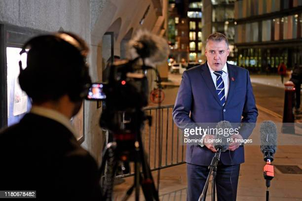 DCI Dave Whellams speaks outside the Old Bailey in London after Svenson OngaKwie and a 17yearold boy have been found guilty at the Old Bailey of...