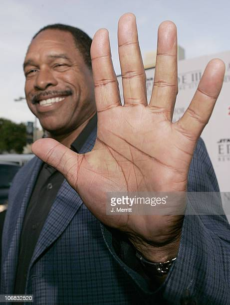 Dave Winfield during 'Star Wars Episode III Revenge of The Sith' Premiere to Benefit Artists for a New South Africa Charity Arrivals at Mann Village...