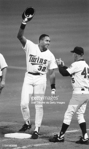 Dave Winfield played late in his pro baseball career with the Minnesota Twins Here Winfield acknowledges the Metrodome crowd after getting his 3000th...