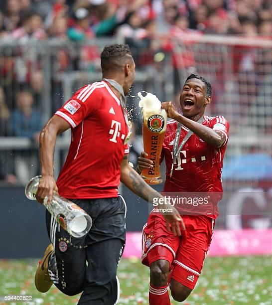 David ALABA FC Bayern München mi Jerome Boateng FC Bayern München 1 Bundesliga Fussball FC Bayern München FC Augsburg Deutscher Fussball Meister 2013...