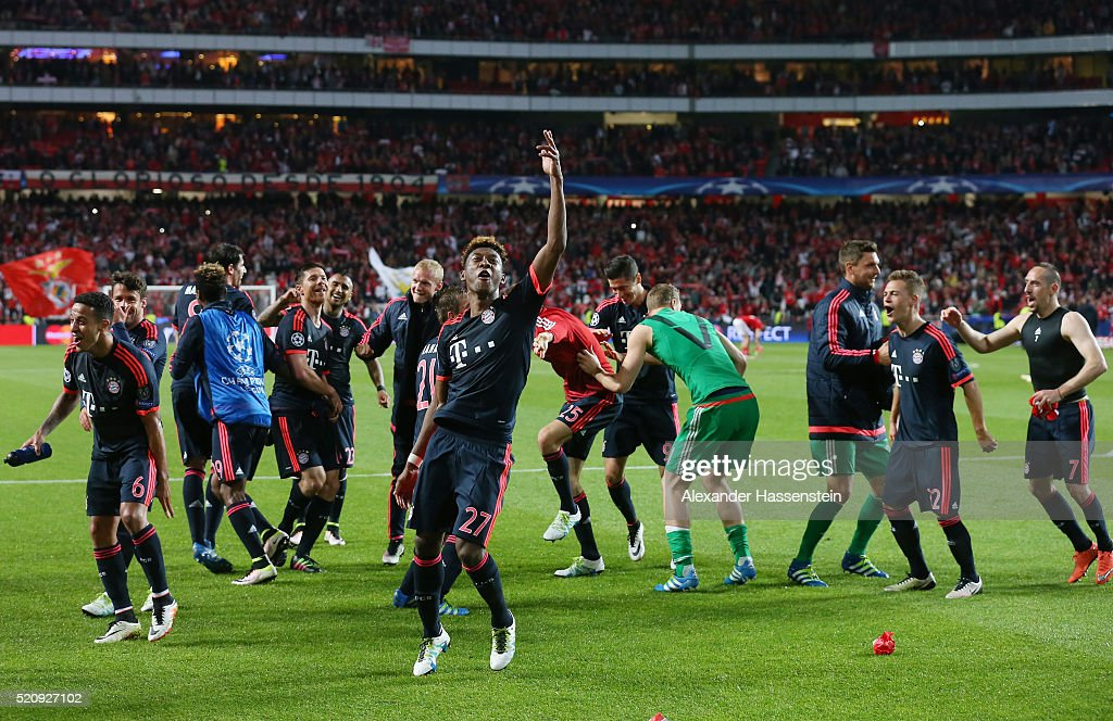 David Alaba of Bayern Muenchen celebrates victory with team mates after the UEFA Champions League quarter final second leg match between SL Benfica and FC Bayern Muenchen at Estadio da Luz on April 13, 2016 in Lisbon, Portugal.