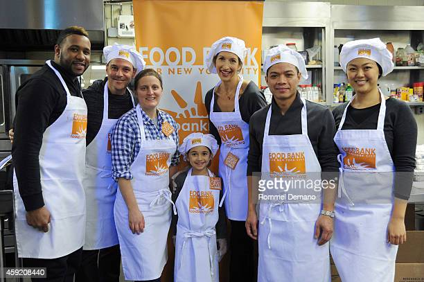David Alan Basche Chef April Bloomfield Livia Basche Alysia Reiner and Chef Hung Huynh attend the Food Bank For New York City's 'Thankful To Give'...