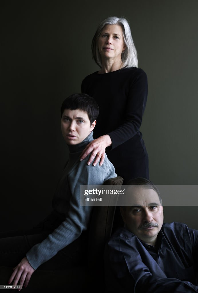 David Axelrod, senior advisor to President Barack Obama, with wife Susan Axelrod and daughter Lauren Axelrod at a portrait session for Newsweek Magazine in 2009. Lauren's epilepsy prompted the Axelrod family to found CURE, Citzens Unite for Research in Epilepsy.