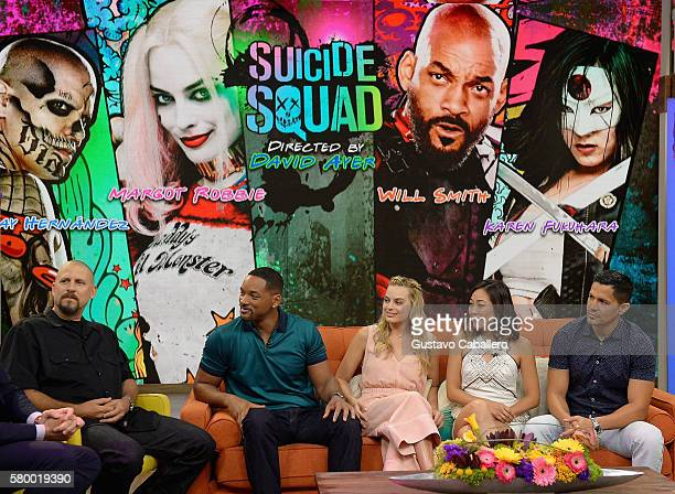 """David Ayer, Will Smith, Margot Robbie, Karen Fukuhara and Jay Hernandez on the set of Univisions """"Despierta America"""" to support the film """"suicide..."""