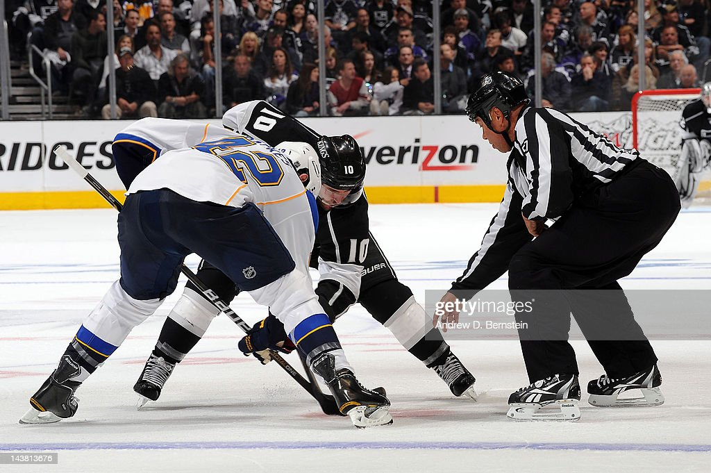 David Backes #42 of the St. Louis Blues takes the face off against Mike Richards #10 of the Los Angeles Kings in Game Three of the Western Conference Semifinals during the 2012 NHL Stanley Cup Playoffs at Staples Center on May 3, 2012 in Los Angeles, California.