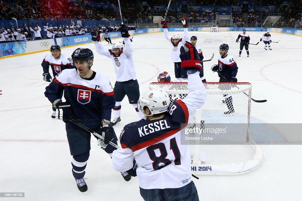 Ice Hockey - Winter Olympics Day 6 - Slovakia v United States : News Photo