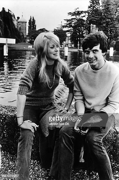 David Bailey* Fotograf Grossbritannienmit seiner Ehefrau Catherine Deneuve 1966