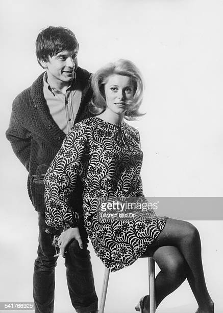 David Bailey* Fotograf Grossbritannienmit seiner Ehefrau Catherine Deneuve 1965