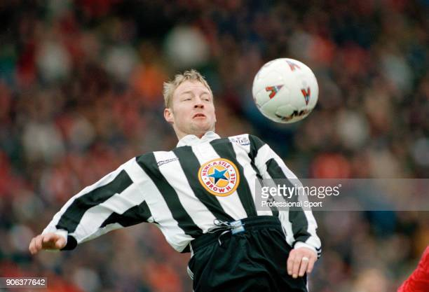 David Batty of Newcastle United in action during the FA Cup 3rd Round tie between Charlton Athletic and Newcastle United at The Valley on January 5...