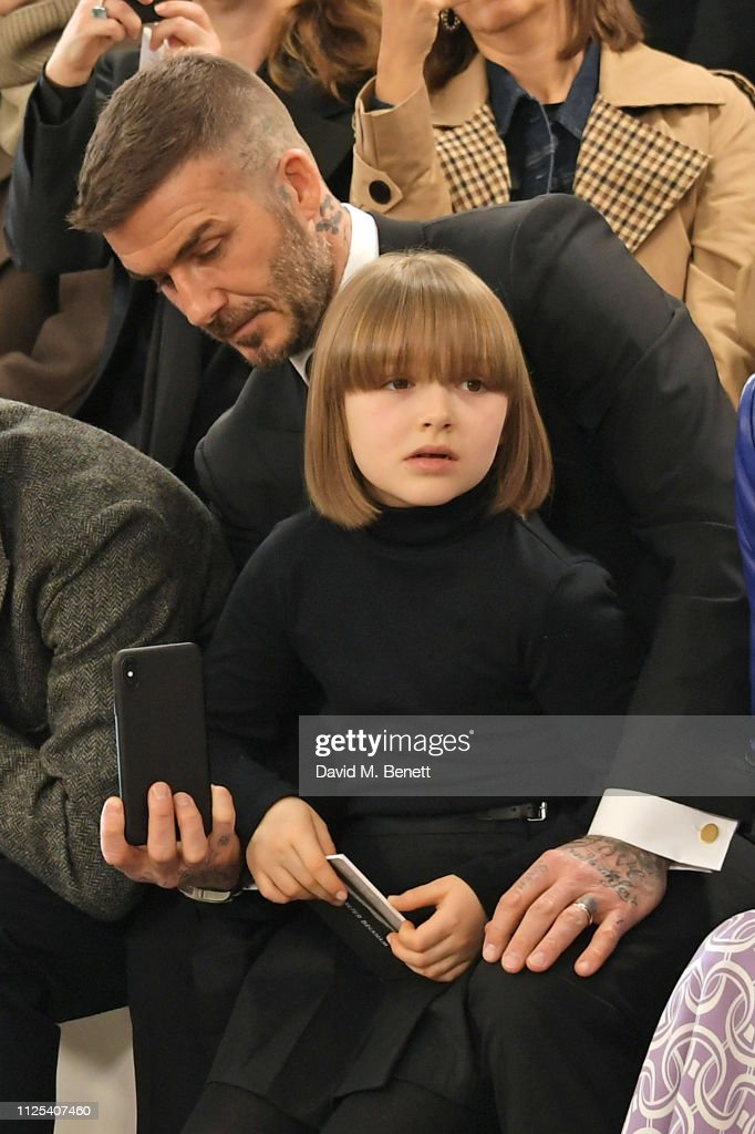 Victoria Beckham - Front Row - LFW February 2019 : News Photo