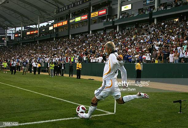 David Beckham of the Los Angeles Galaxy kicks a corner kick against Chelsea FC during the World Series of Football match at the Home Depot Center on...