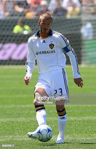 David Beckham of the Los Angeles Galaxy makes a pass during their MLS game against Toronto FC at the Home Depot Center on April 13 2008 in Carson...