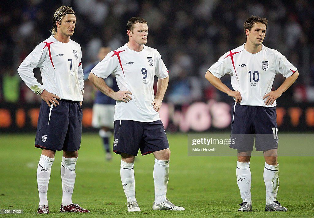 David Beckham, Wayne Rooney and Michael Owen look dejected during the International friendly match between England and Argentina at the Stade de Geneve on November 12, 2005 in Geneva, Switzerland.