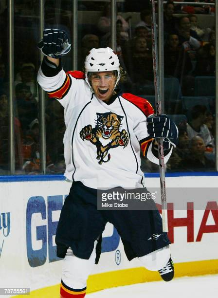 David Booth of the Florida Panthers celebrates his second period goal against the New York Islanders at Nassau Coliseum January 3, 2008 in Uniondale,...