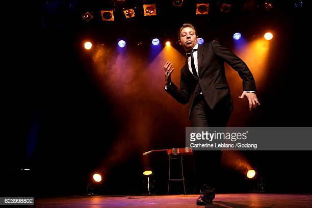 david bosteli - stand up comedian stock pictures, royalty-free photos & images