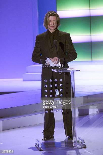 David Bowie at the 2000 VH1 Vogue Fashion Awards October 20 2000