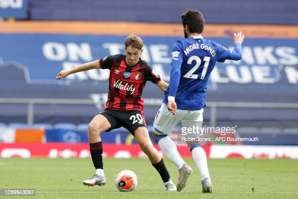 David Brooks of Bournemouth and Andre Gomes of Everton during the Premier League match between Everton FC and AFC Bournemouth at Goodison Park on...