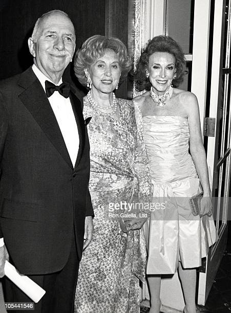 David Brown, Estee Lauder and Helen Gurley Brown during 3rd Annual Rita Hayworth Gala Benefit for Alzheimers Disease at Waldorf Hotel in New York...