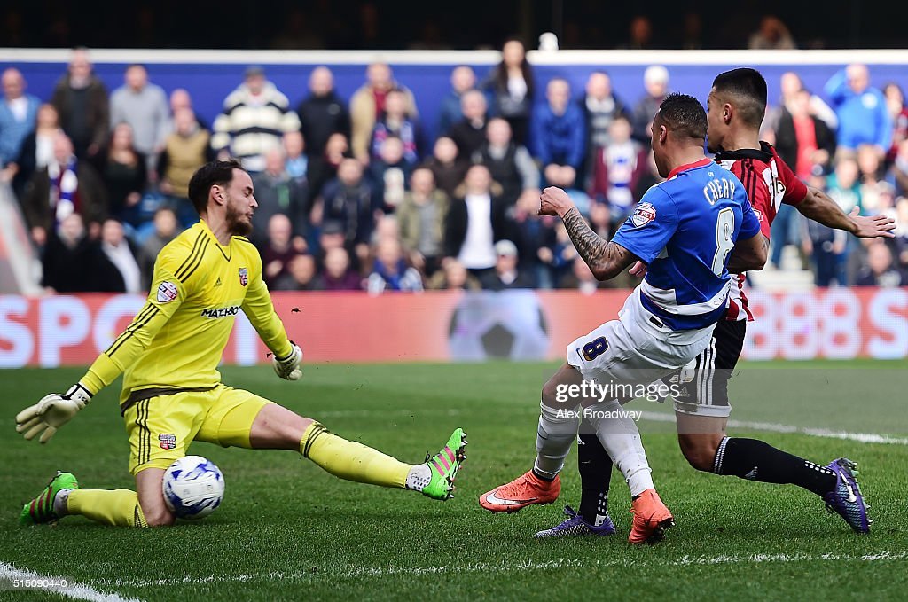 Queens Park Rangers v Brentford - Sky Bet Championship : News Photo