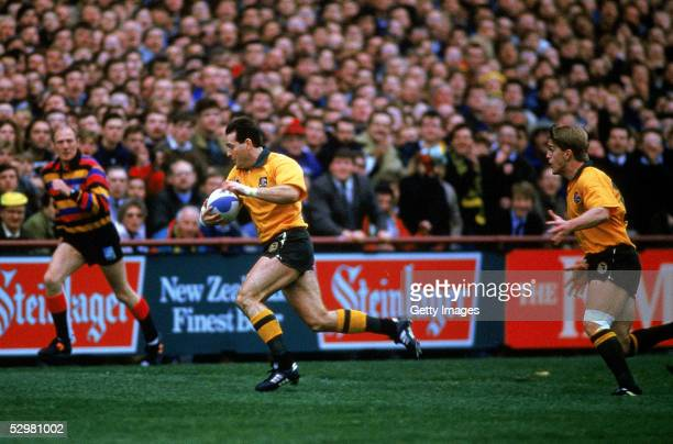 David Campese of the Wallabies makes a break during the Australia v New Zealand semi final match during the 1991 Rugby Union World Cup at Lansdowne...