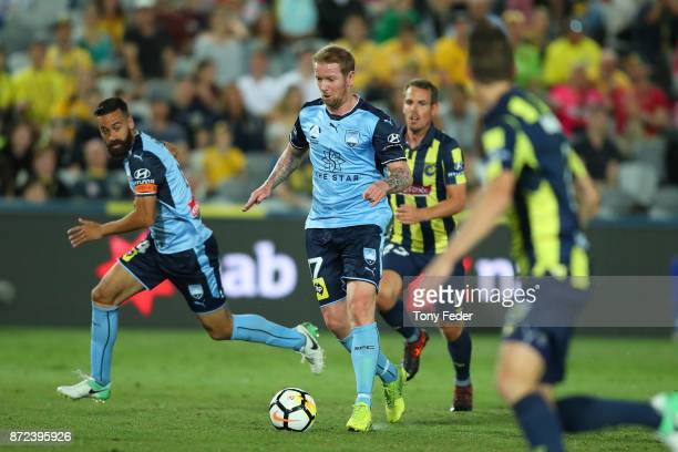 David Carney of Sydney controls the ball during the round six ALeague match between the Central Coast Mariners and Sydney FC at Central Coast Stadium...