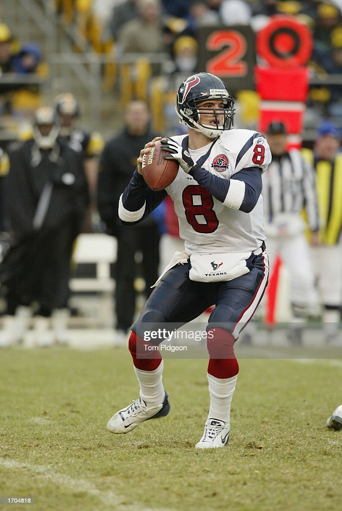 David Carr #8 of the Houston Texans sets up to pass during a game against the Pittsburgh Steelers on December 8, 2002 at Heinz Field in Pittsburgh, Pennsylvania. The Texans beat the Steelers 24-6.