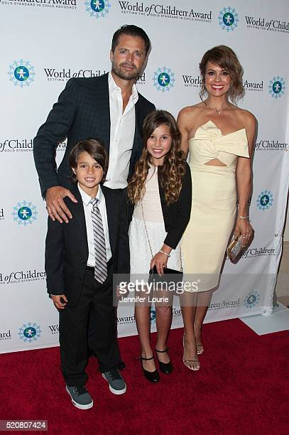 David Charvet Brooke BurkeCharvet Shaya Braven Charvet and Heaven Rain Charvet arrive at the World Of Children Award 2016 Alumni Honors at the...