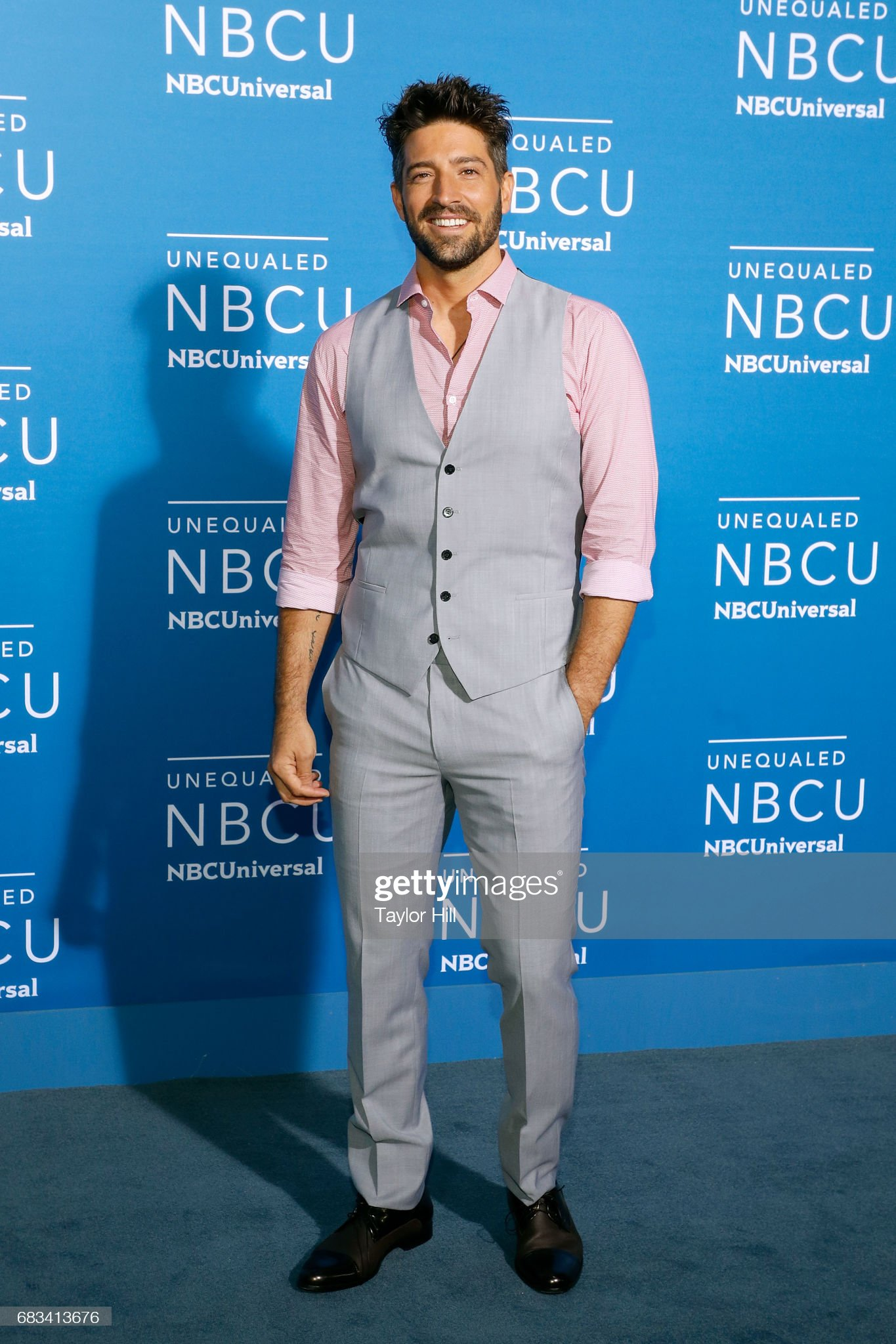 ¿Cuánto mide David Chocarro? - Altura - Real height David-chocarro-attends-the-2017-nbcuniversal-upfront-at-radio-city-picture-id683413676?s=2048x2048