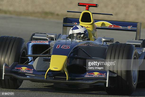 David Coulthard of Scotland tests the Redbull Racing F1 car at the Circuit de Jerez de la Frontera on December 9 2004 in Jerez Spain