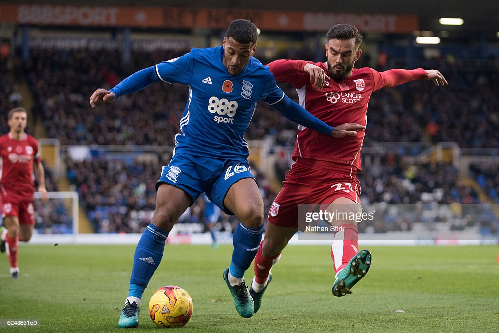 David Davis of Birmingham City and Marlon Pack of Bristol City in action during the Sky Bet Championship match between Birmingham City and Bristol City at St Andrews Stadium on November 19, 2016 in Birmingham, England.