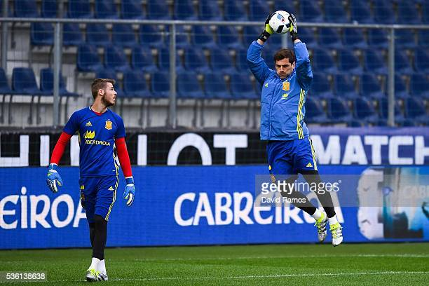 David de Gea and Iker Casillas of Spain in action during a training session at the Red Bull Arena stadium on May 31 2016 in Salzburg Austria