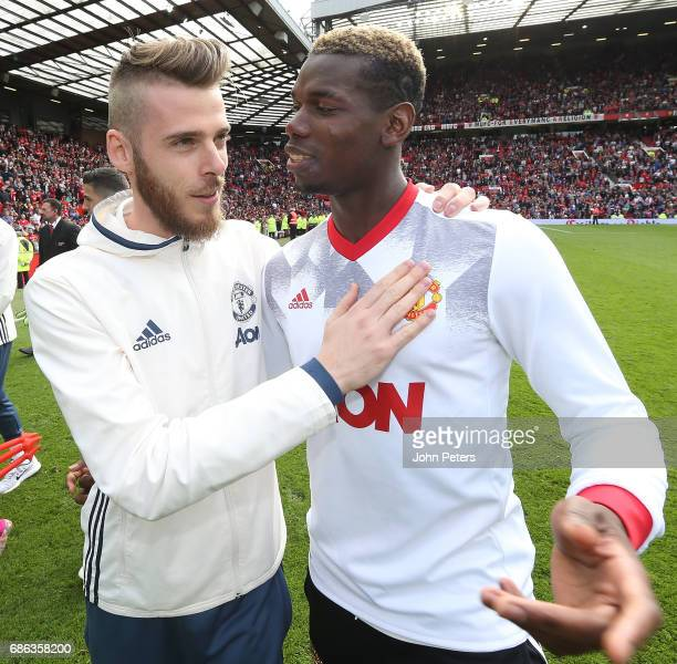 David de Gea and Paul Pogba of Manchester United pose after the Premier League match between Manchester United and Crystal Palace at Old Trafford on...