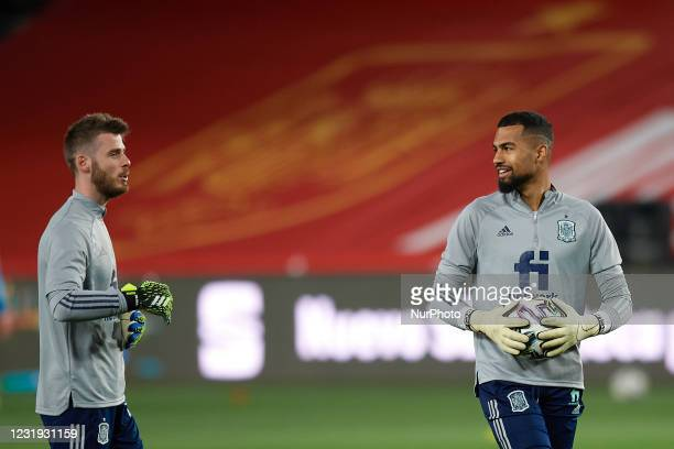 David de Gea and Robert Sanchez of Spain during the warm-up before during the FIFA World Cup 2022 Qatar qualifying match between Spain and Greece at...