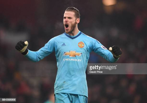 David De Gea of Man Utd celebrates on the final whiste after the Premier League match between Arsenal and Manchester United at Emirates Stadium on...