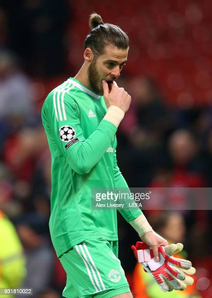David de Gea of Manchester United looks dejected after the UEFA Champions League Round of 16 Second Leg match between Manchester United and Sevilla...