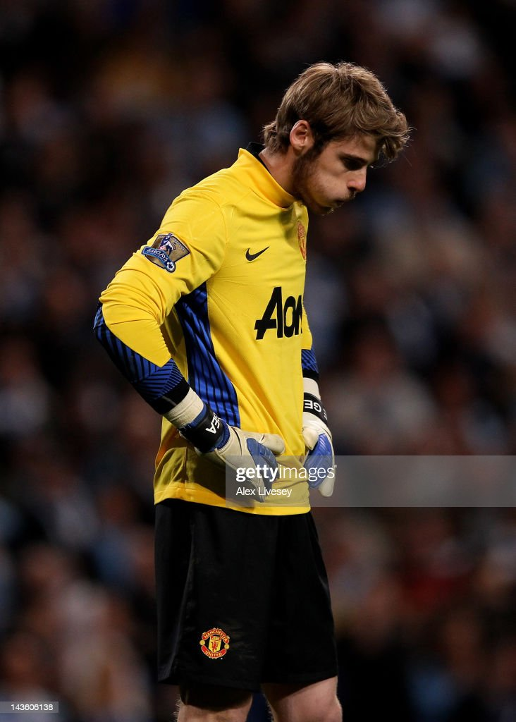 David de Gea of Manchester United looks dejected at the end of the Barclays Premier League match between Manchester City and Manchester United at the Etihad Stadium on April 30, 2012 in Manchester, England.