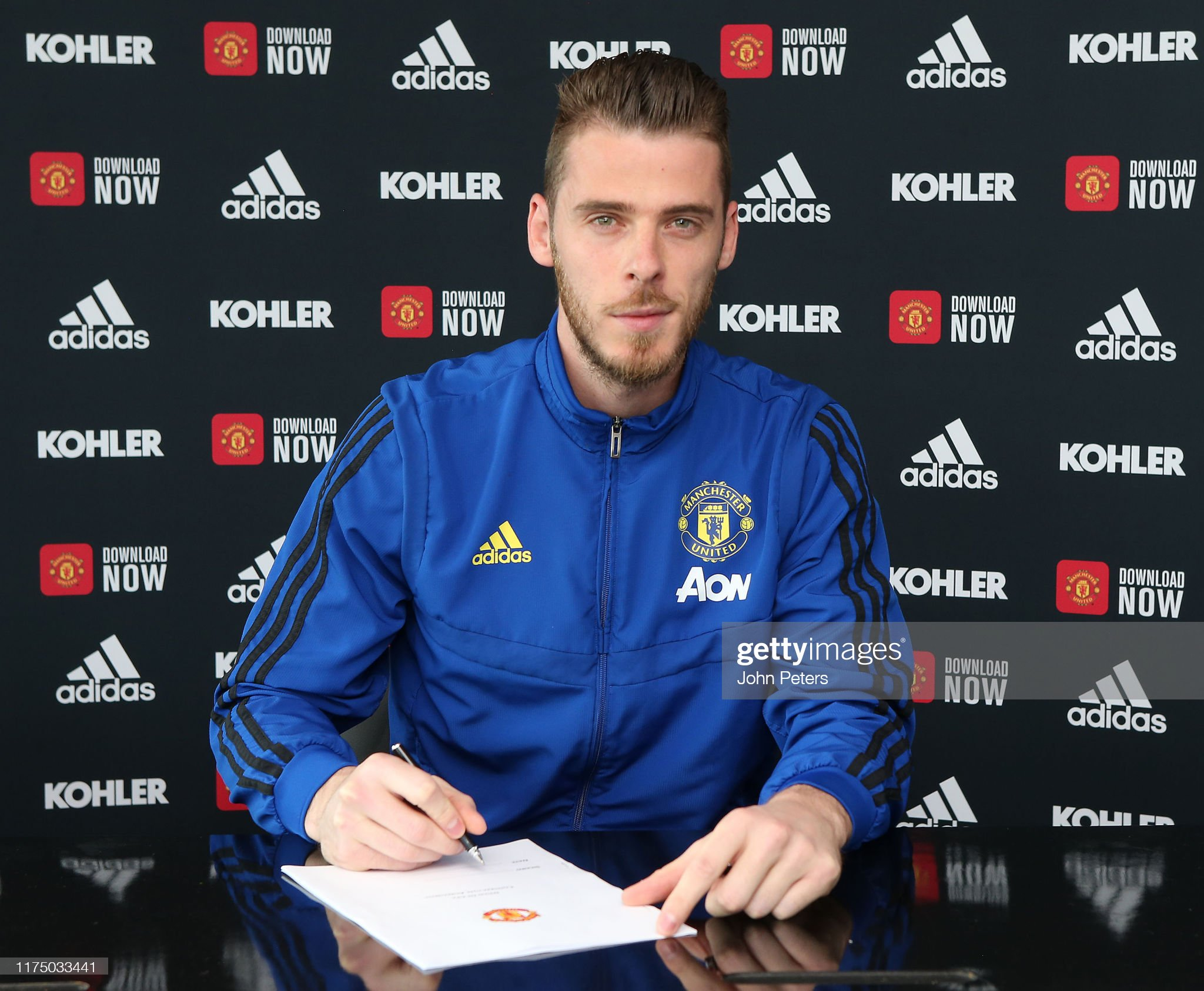 https://media.gettyimages.com/photos/david-de-gea-of-manchester-united-poses-after-signing-a-new-contract-picture-id1175033441?s=2048x2048