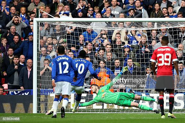 David de Gea of Manchester United saves the penalty of Romelu Lukaku of Everton during the Emirates FA Cup Semi Final match between Everton and...