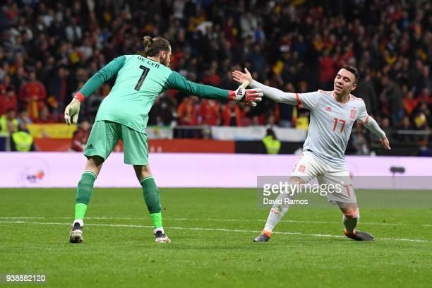 David De Gea of Spain and Iago Aspas of Spain celebrate together during the International Friendly between Spain and Argentina on March 27 2018 in...