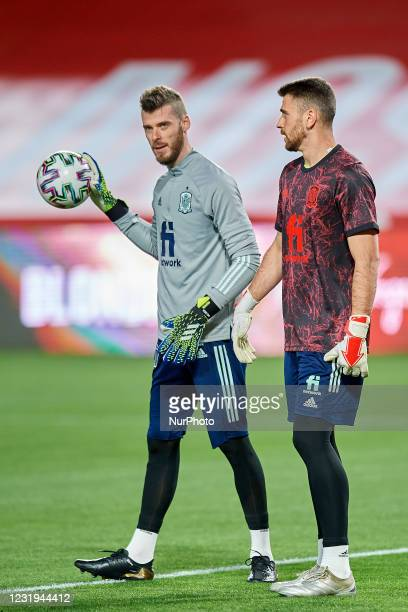 David de Gea of Spain and Unai Simon of Spain talk during the warm-up before the FIFA World Cup 2022 Qatar qualifying match between Spain and Greece...
