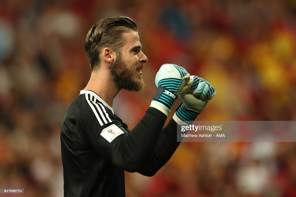 David de Gea of Spain celebrates after Isco of Spain scored a goal to make the score 1-0 during the FIFA 2018 World Cup Qualifier between Spain and Italy at Estadio Santiago Bernabeu on September 2, 2017 in Madrid, Spain.