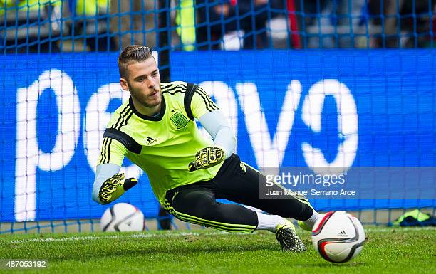 David De Gea of Spain controls the ball on prior to the start the Spain v Slovakia EURO 2016 Qualifier at Carlos Tartiere on September 5 2015 in...