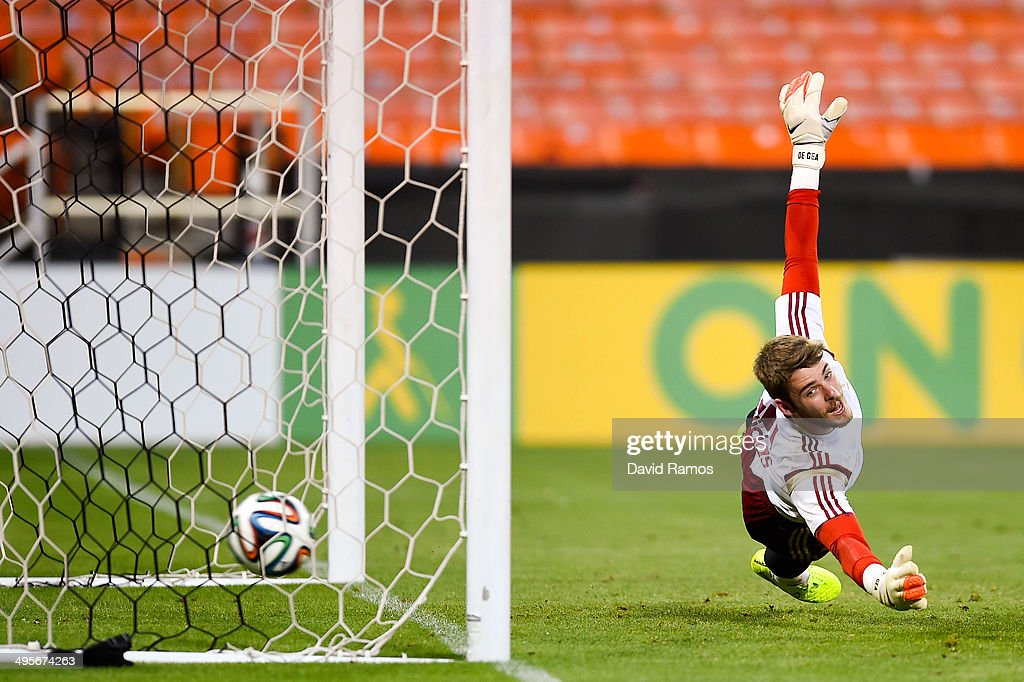 David de Gea of Spain in action during a training session of the Spain National Team at the Robert F. Kennedy Stadium on June 4, 2014 in Washington, DC.