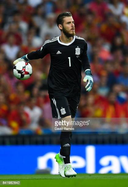 David De Gea of Spain looks on during the FIFA 2018 World Cup Qualifier between Spain and Italy at Estadio Santiago Bernabeu on September 2 2017 in...